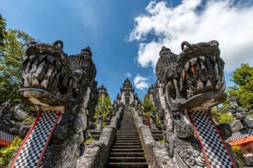 bali-photos---lempuyang-temple--dragon-guardians