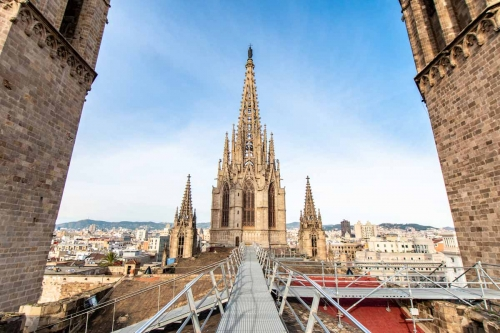 Interesting Barcelona facts -cathedrals roof