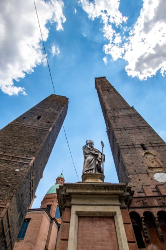 pope and two towers in bologna