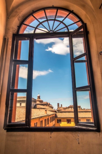 window-to-bologna